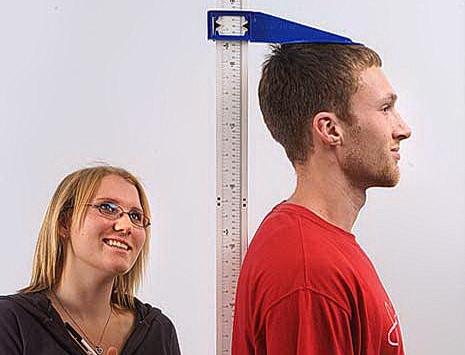 身長は1cmでも高く登録したいですがインチキはダメです