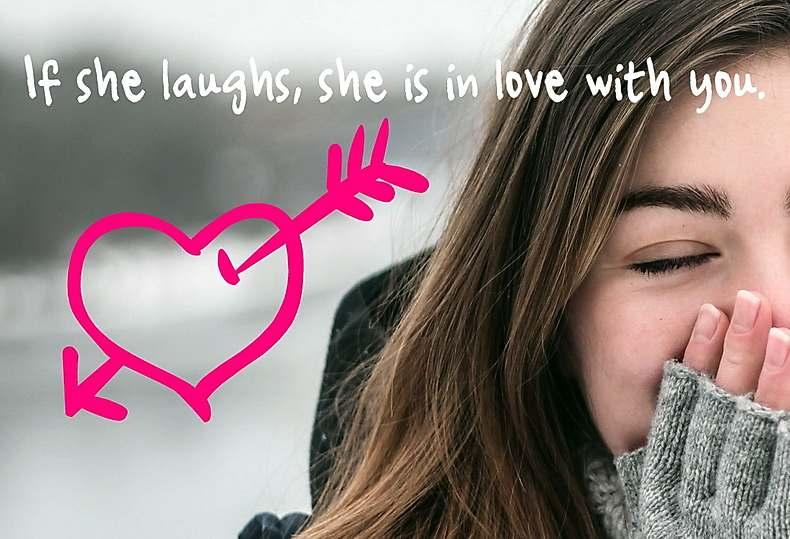 あなたの冗談に笑う女性はあなたに恋に落ちている