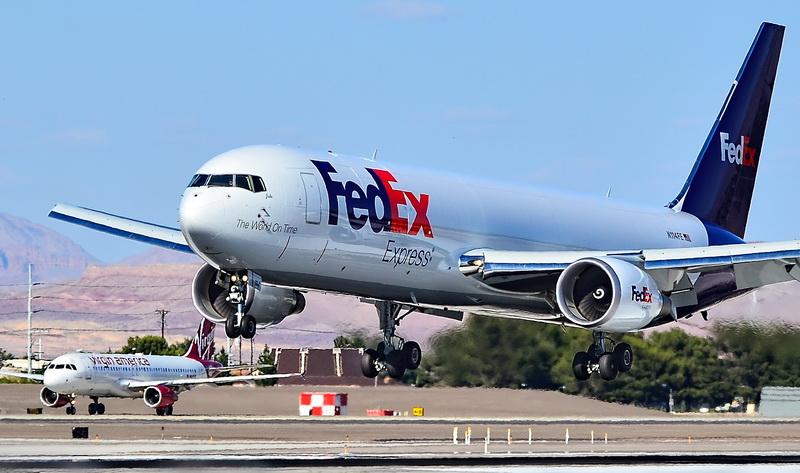 国際貨物輸送企業は非常時でも活動している(fedex)
